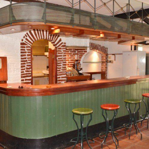 Fuengirola keskusta 120 heng. ravintola Ref-YK177